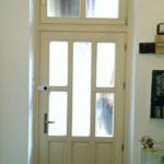 belvárosi üveges fa ajtó