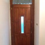 nyitható ablakos fa ajtó