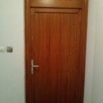 teli betétes lépcsőházi ajtó